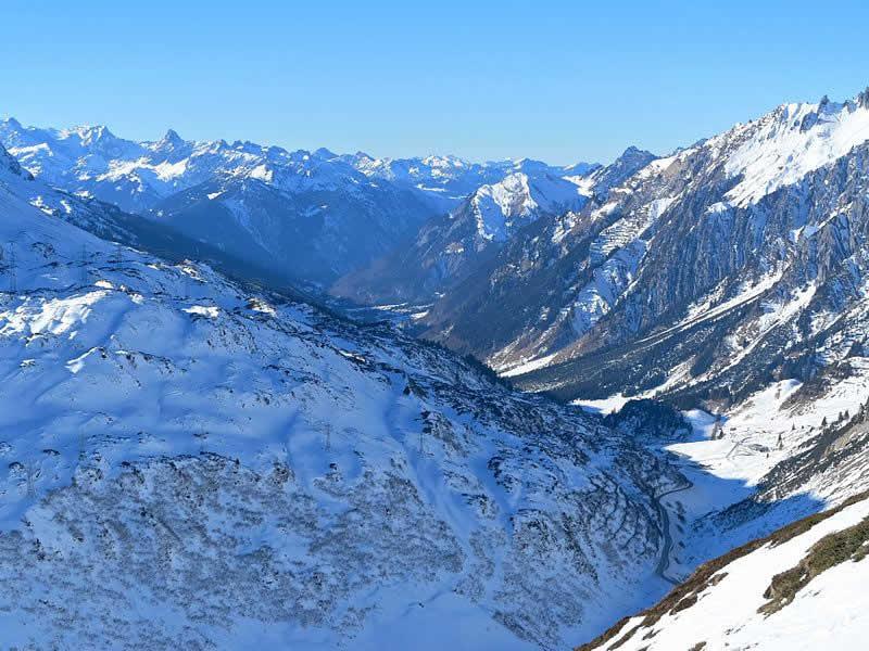 Arlbergpass mit Klostertal in Vorarlberg