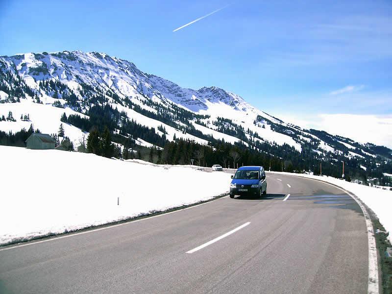 Bergstraße Oberjoch im Norden Tirols
