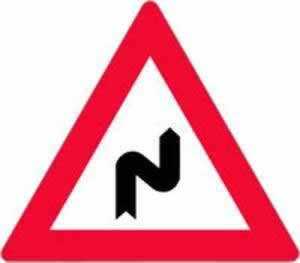 Verkehrszeichen Gefahrenzeichen Doppelkurve rechts