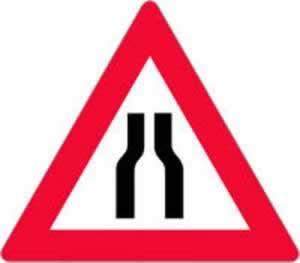 Gefahrenzeichen Fahrbahnverengung