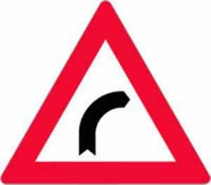 Verkehrszeichen gefährliche Rechtskurve