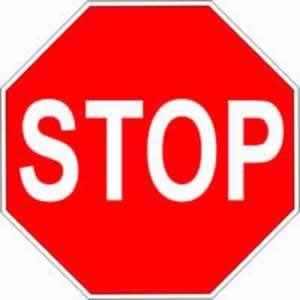 Verkehrszeichen Halt Stop-Tafel