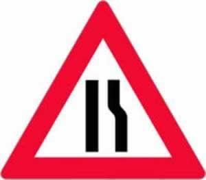 Verkehrszeichen Gefahrenzeichen Fahrbahnverengung rechts