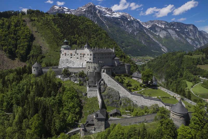 Burg Hohenwerfen über Werfen in Salzburg