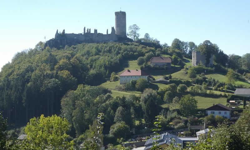 Burgruine Waxenberg in Oberösterreich