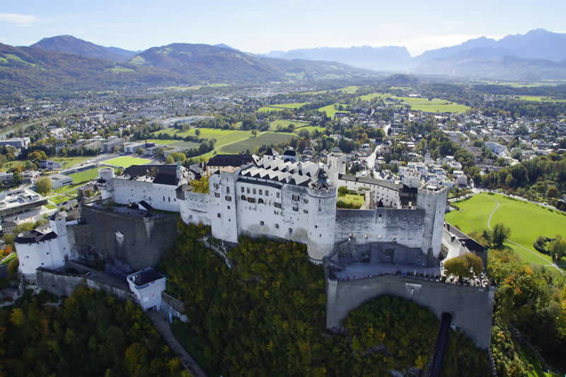Festung Hohensalzburg über Salzburg