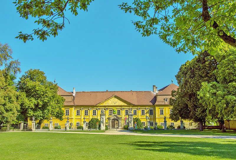 Schloss Marchegg Niederösterreich