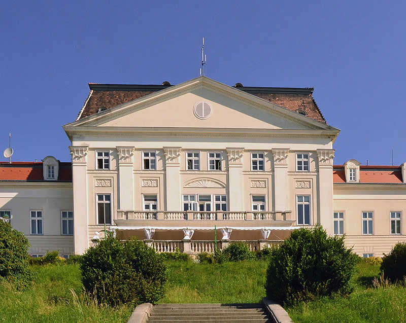Schloss Wilhelminenberg in Wien-Ottakring