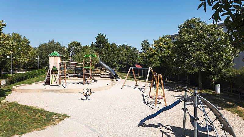 Hans-Paulas-Park bei der Kaiser Ebersdorfer Straße Wien 11