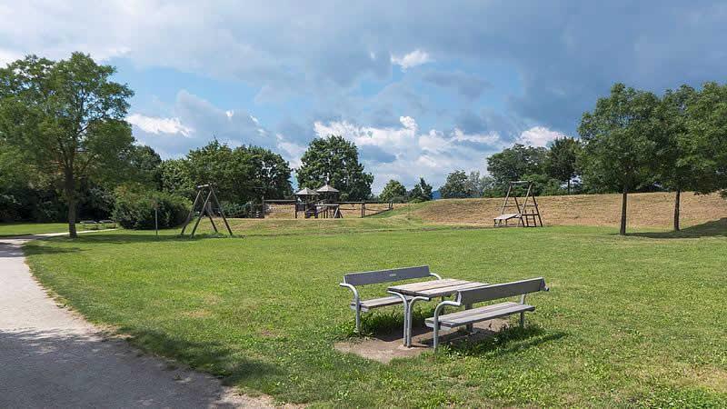 Josef-Grössing-Park bei der Gerasdorfer Straße Wien