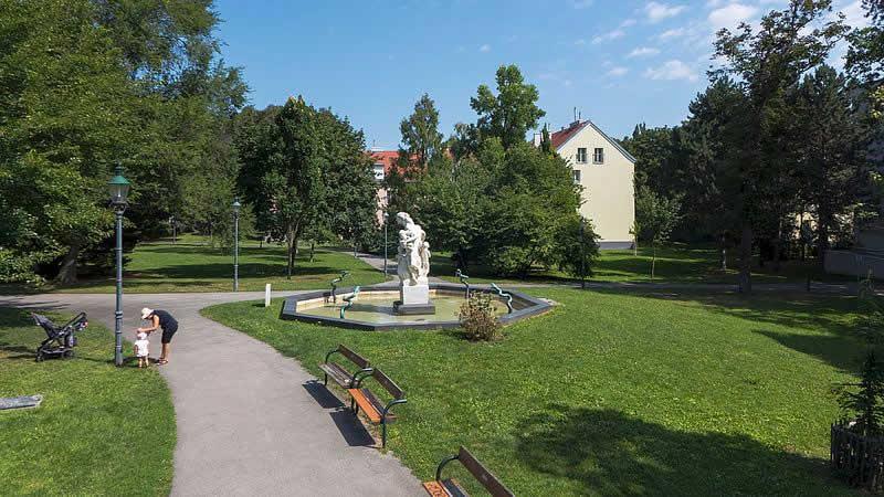 Maurer-Rathaus-Park in Wien 23