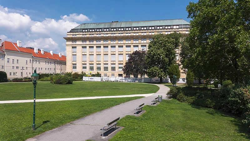 Ostarrichipark beim alten AKH in Wien 9