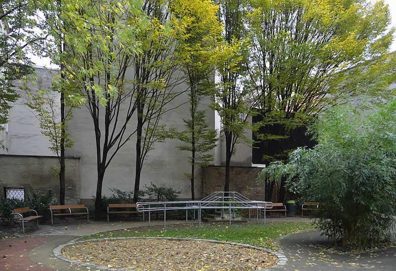 Vinzenz-von-Paul-Park in Wien 6