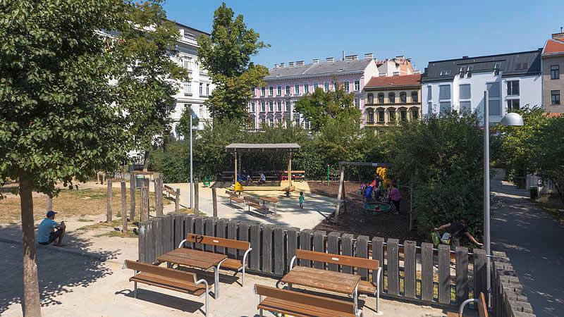 Währinger Schubertpark bei der Währinger Straße Wien