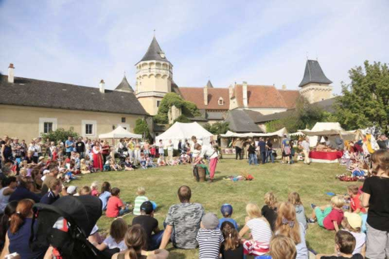 Mittelalterfest und Ritterturnier auf der Rosenburg