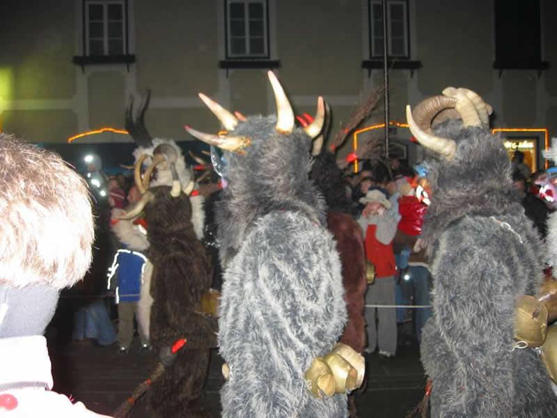 Perchtenläufe und Krampusläufe in Oberösterreich