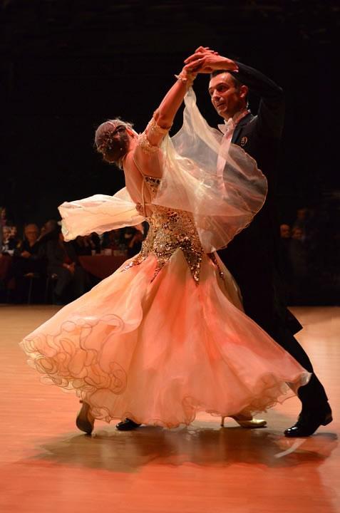 Ballveranstaltungen mit Walzer tanzen