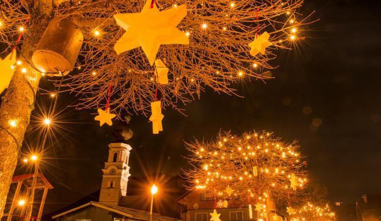 Adventmarkt in Faistenau unter der Linde