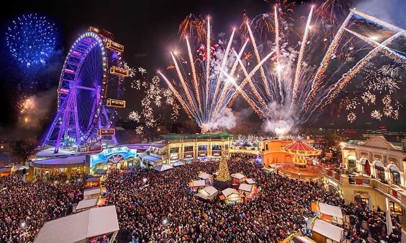 Adventmarkt Prater Feuerwerk