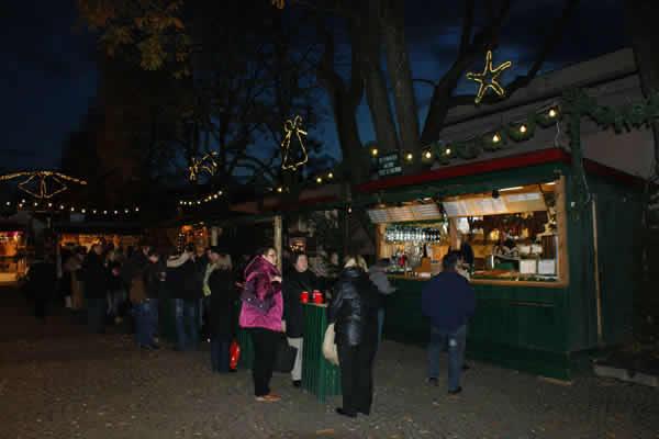 Adventmarkt Salzburg Mirabellplatz