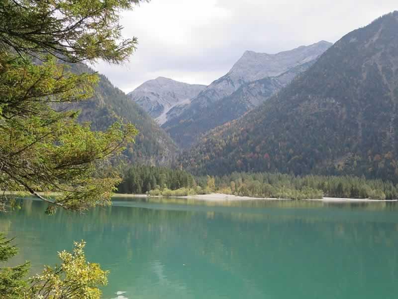 Heiterwanger See bei Reutte Tirol