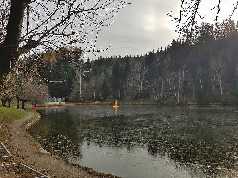 Natterer See bei Innsbruck in Tirol