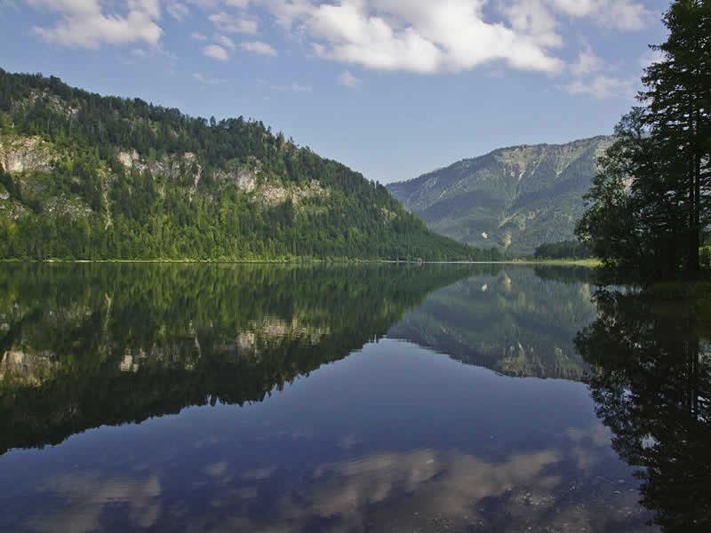 Offensee beim Toten Gebirge in Oberösterreich