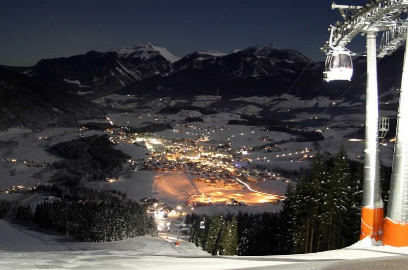 Skigebiet Abtenau Karkogel bei Nacht